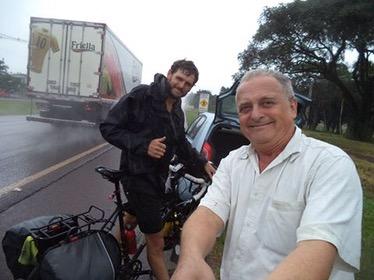Highway hello, Iguazú, Paraná, Brazil