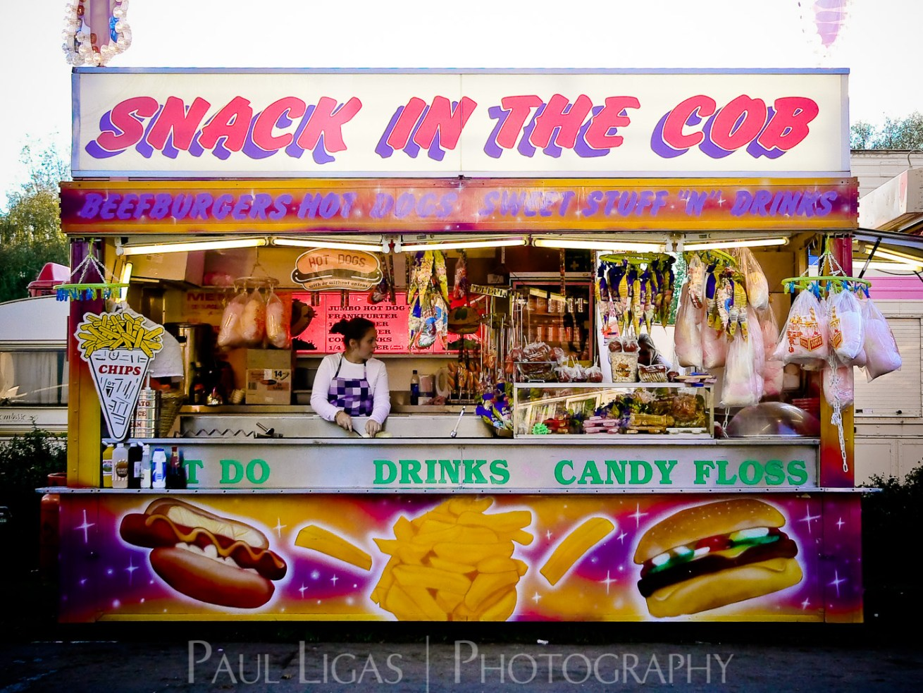 At The Fair, Newbury, Berkshire people candid photographer photography herefordshire 90213