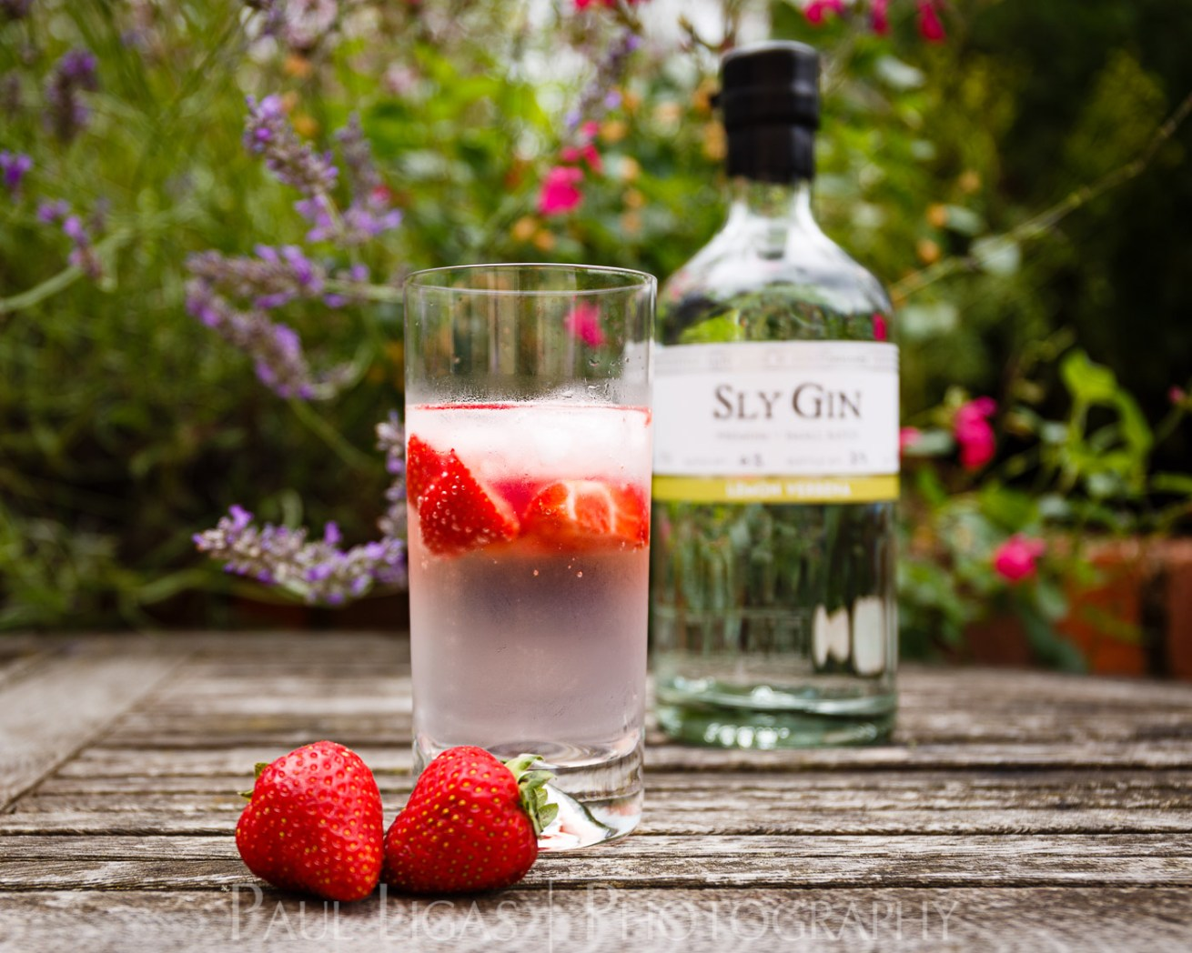Haven Distillery Sly Gin Hereford product lifestyle photography photographer 5298