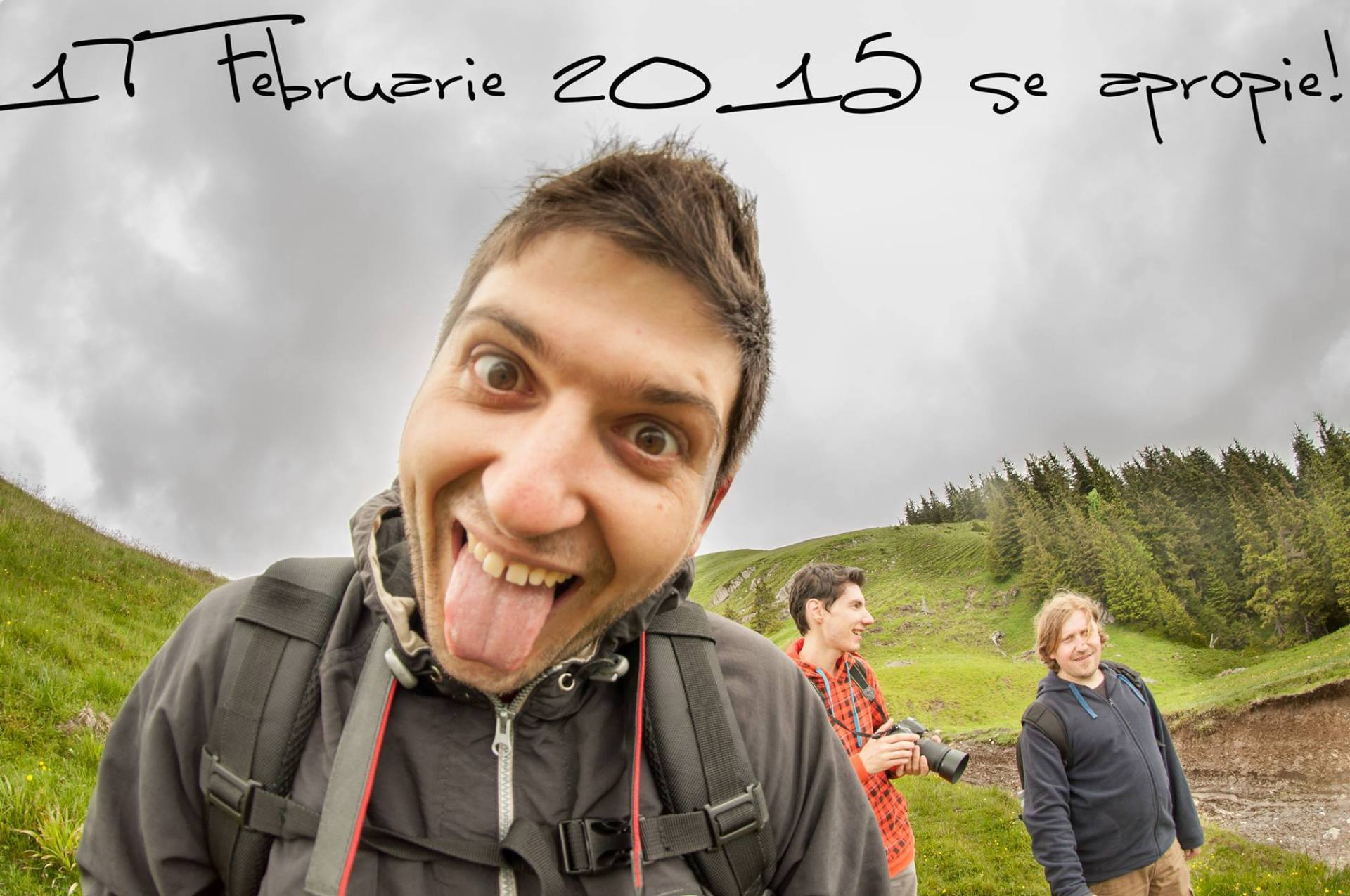 Expoziţie de fotografie Printre popi şi doamne - organizator Clubul Fotografilor Iasi Paul Pădurariu selfie