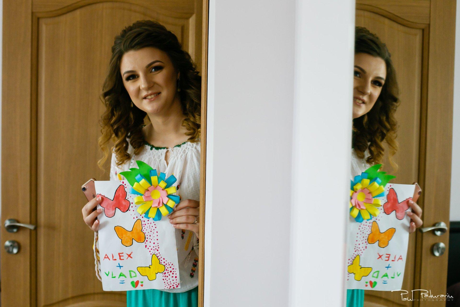Alexandra si Vlad pregatiri nunta pleiada fotograf profesionist nunta iasi www.paulpadurariu.ro © 2017 Paul Padurariu mireasa inainte de pregatiri