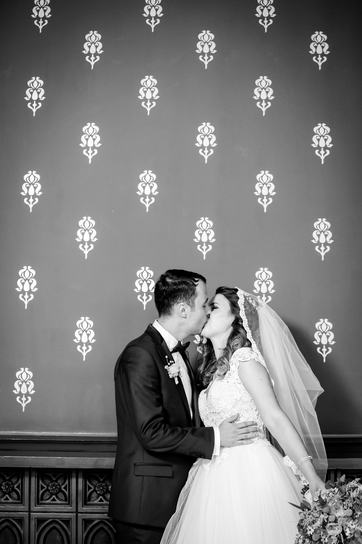 Alexandra si Vlad sedinta foto nunta Palatul Culturii Iasi - fotograf profesionist de nunta iasi 3 www.paulpadurariu.ro © 2017 Paul Padurariu