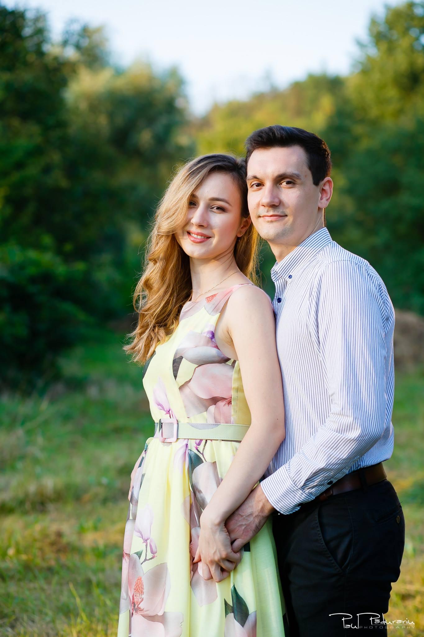 Nicoleta si Catalin - sedinta foto de logodna in Gradina Botanica Iasi - www.paulpadurariu.ro - fotograf profesionist de nunta Iasi 5