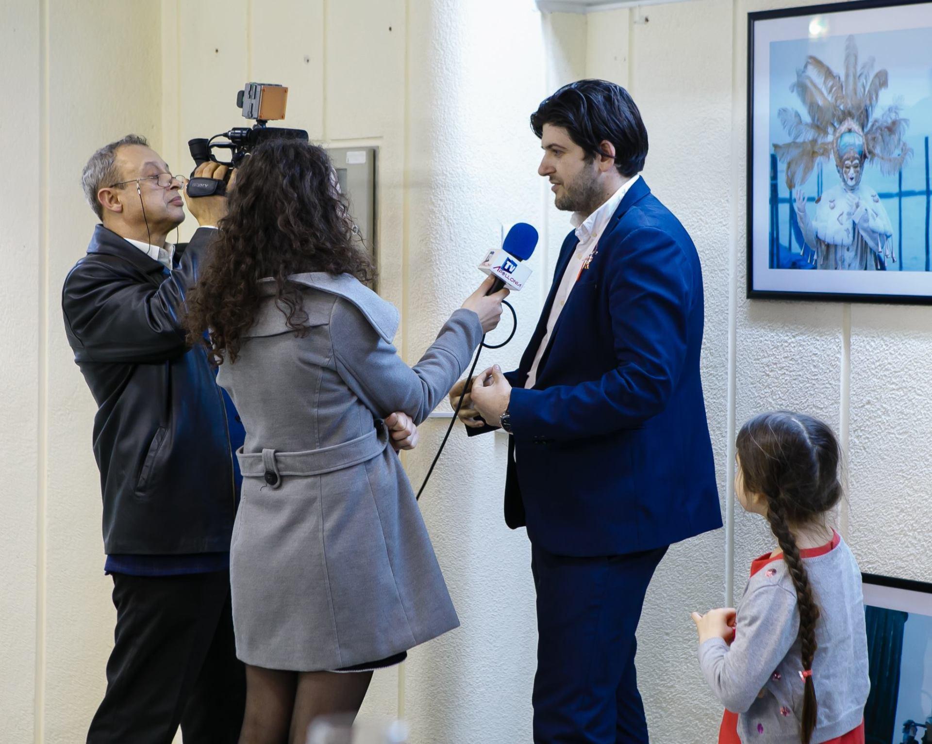 Vernisaj Expozitie de Fotografie Povesti Venetiene Paul Padurariu fotograf profesionist Iasi interviu Apollonia TV