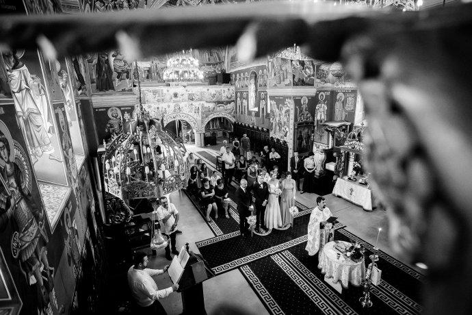 Loredana si Ciprian cununie religioasa cadru alb negru Biserica Sf. Sava fotograf nunta Iasi www.paulpadurariu.ro © 2017 Paul Padurariu
