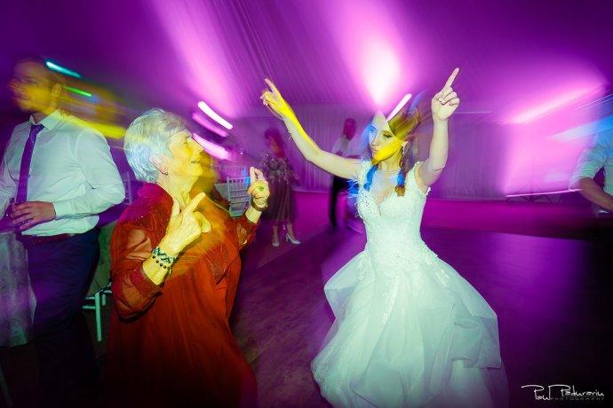 Ioana si Adi nuntă la Elysium Iași petrecere www.paulpadurariu.ro fotograf profesionist de nunta Iasi Paul Padurariu 11