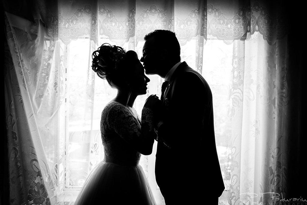 georgiana si daniel nunta grand hotel traian iasi fotograf nunta iasi paul padurariu pregatiri miri www.paulpadurariu.ro 12