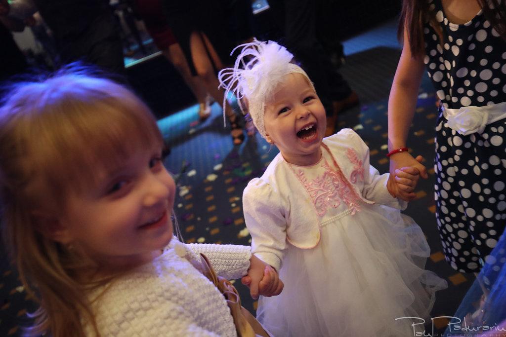 Georgiana si Daniel dansul mirilor nunta la Grand Hotel Traian Iasi paul padurariu pregatiri miri www.paulpadurariu.ro 15