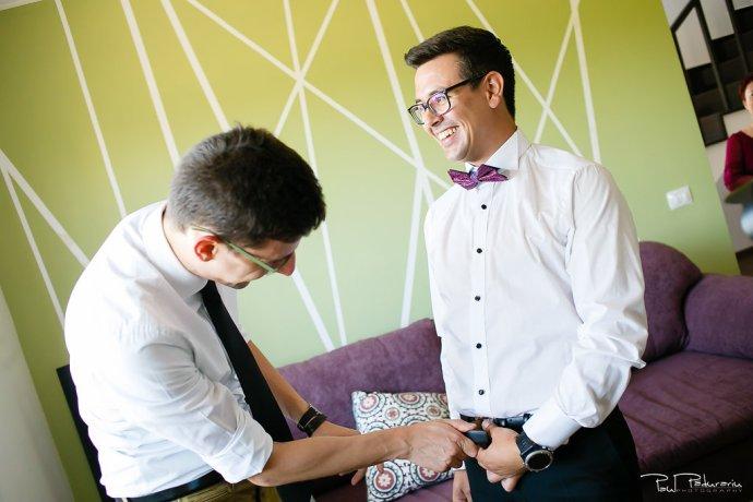 Ioana si Adi nuntă Elysium Iași imbrat mire www.paulpadurariu.ro fotograf nunta Iasi Paul Padurariu 2