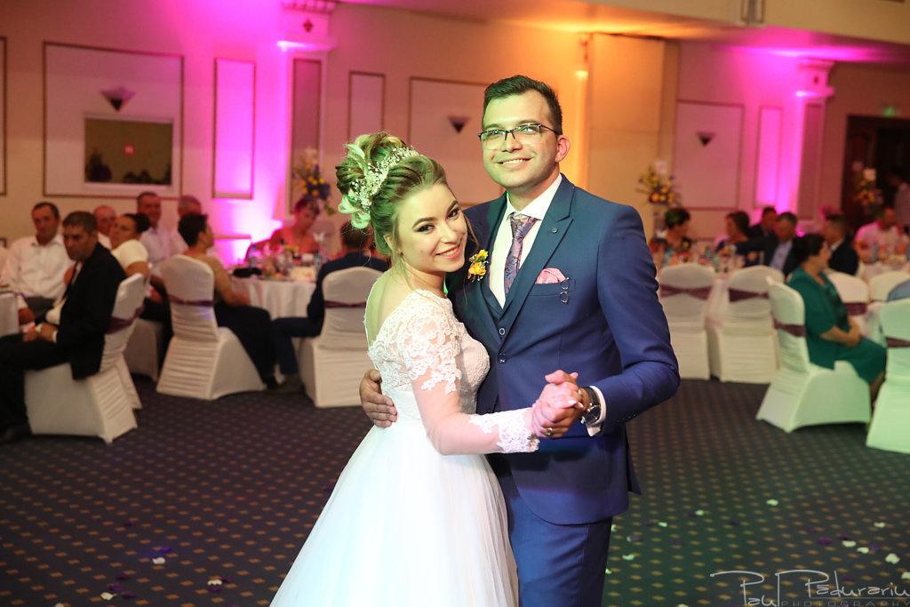 Georgiana si Daniel dansul mirilor nunta la Grand Hotel Traian Iasi paul padurariu pregatiri miri www.paulpadurariu.ro 26