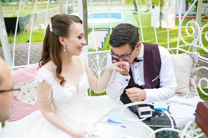 Ioana si Adi nuntă la Elysium Iași moment special miri nasi www.paulpadurariu.ro fotograf nunta Iasi Paul Padurariu 4