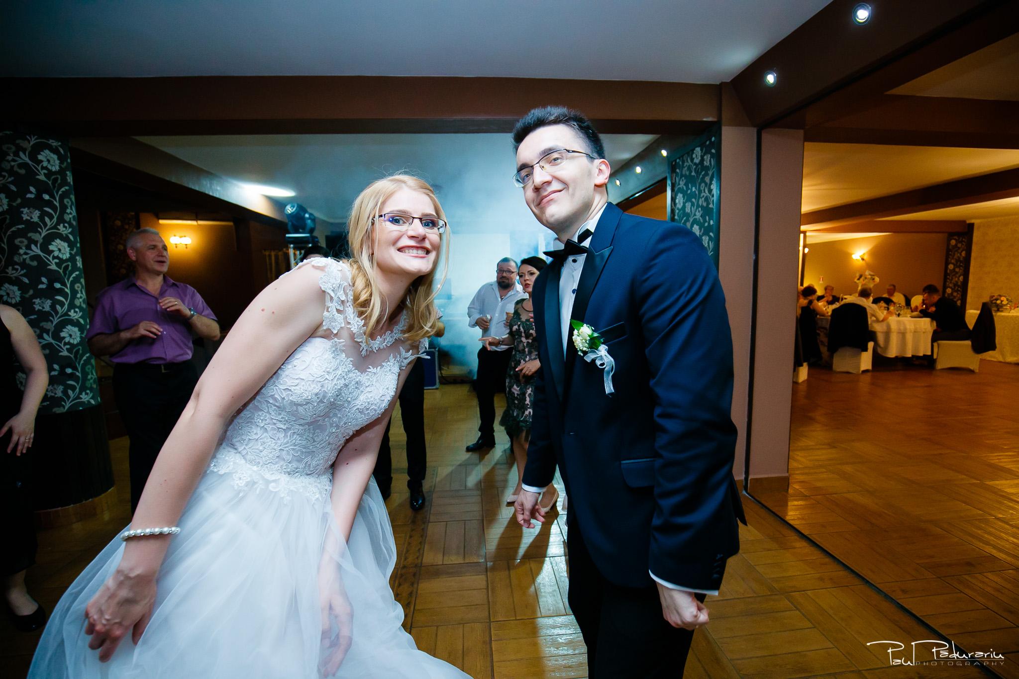 Anca si Razvan petrecere restaurant American Iasi - Paul Padurariu fotograf profesionist nunta iasi www.paulpadurariu.ro © 2018 Paul Padurariu 6