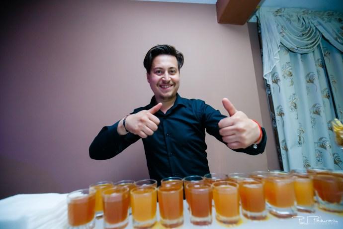 Anca si Razvan petrecere restaurant American Iasi - Paul Padurariu fotograf profesionist nunta iasi www.paulpadurariu.ro © 2018 Paul Padurariu bar