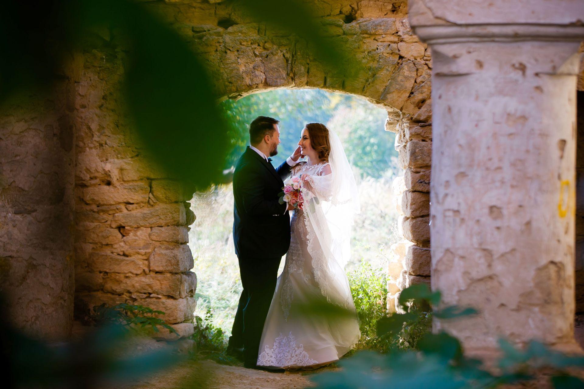 Larisa si Vlad - Nunta la Unirea - fotograf nunta iasi   fotograf profesionist Paul Padurariu 40