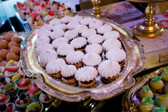Cofetaria La Rosa - prajituri, torturi si candy bar pentru nunta Iasi fotograf Paul Padurariu 17