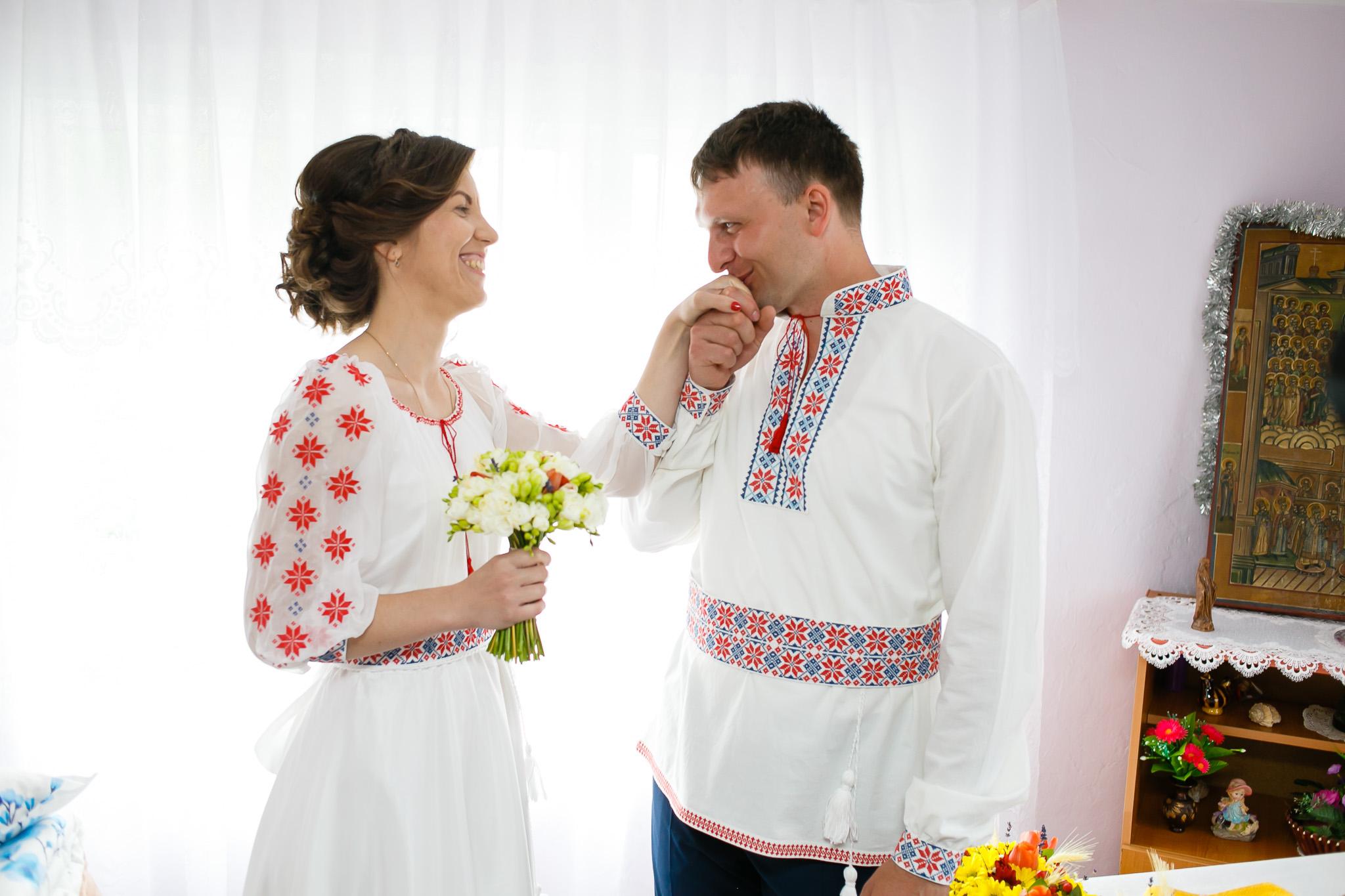 Nuntă tradițională Elisabeta și Alexandru fotograf profesionist nunta Iasi www.paulpadurariu.ro © 2018 Paul Padurariu pregatiri miri 5