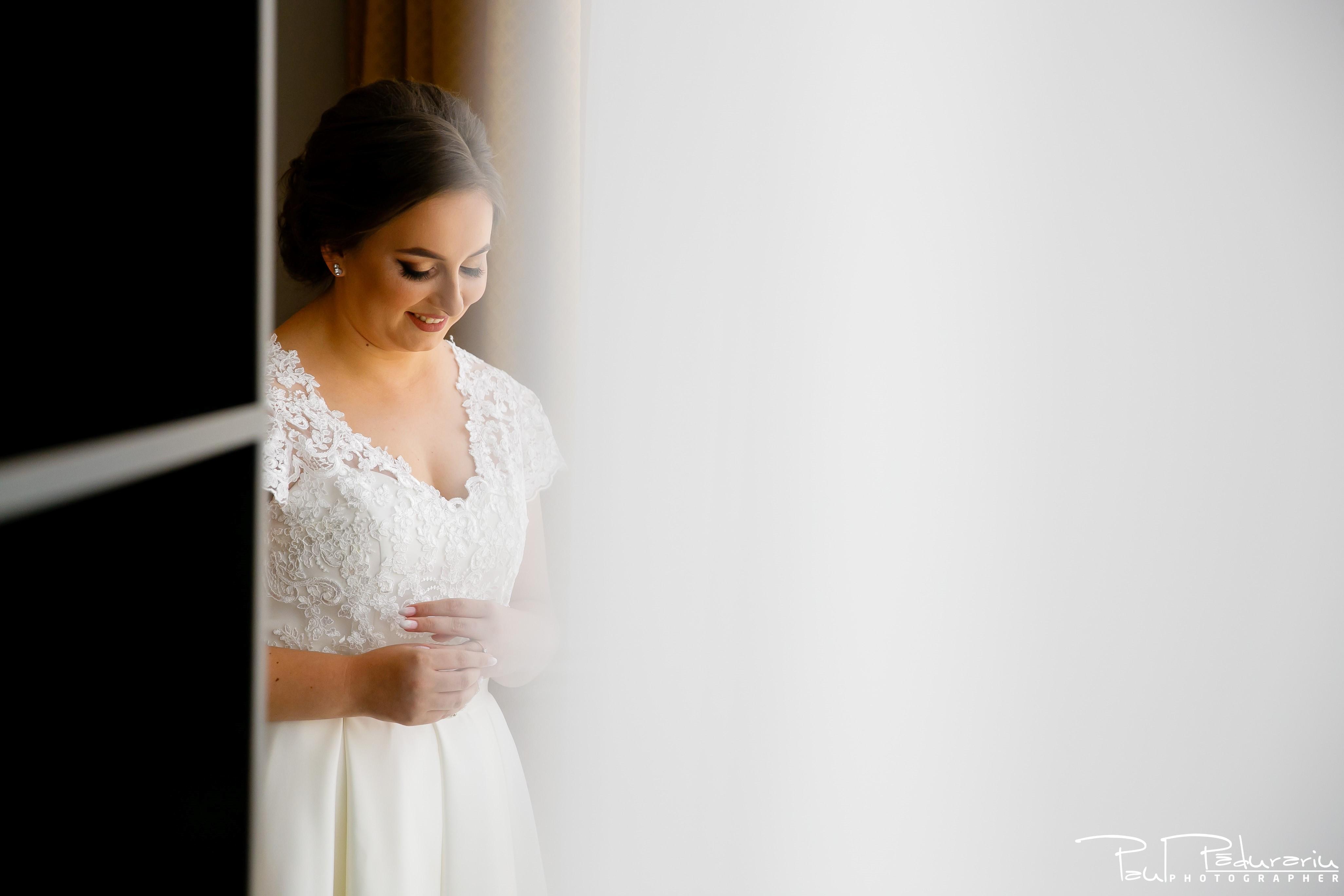 Cristina si Razvan nunta rustica la Bellaria pregatiri mireasa portret fotograf profesionist nunta Iasi www.paulpadurariu.ro © 2017 Paul Padurariu