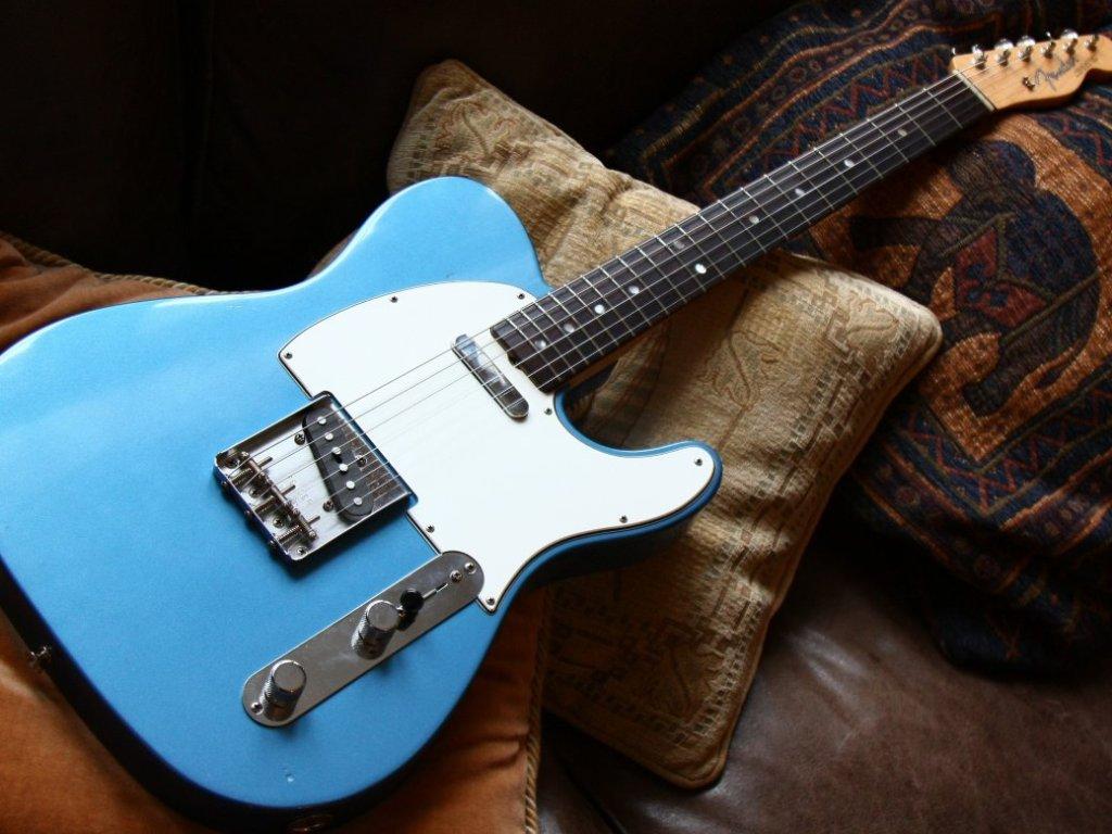 Fender AV 64 Telecaster LPB