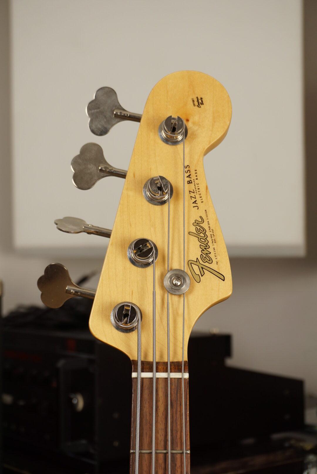 Fender Jazz Bass: American Vintage Reissue '62 vs American Vintage '64