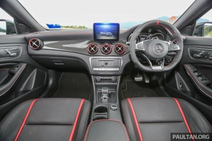 MercedesBenz_CLA45_AMG_FL_Int-1
