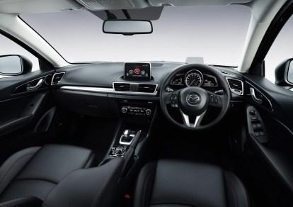 2014_Mazda3_Hybrid_013
