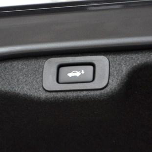 Lexus ES 250 and 300h 30