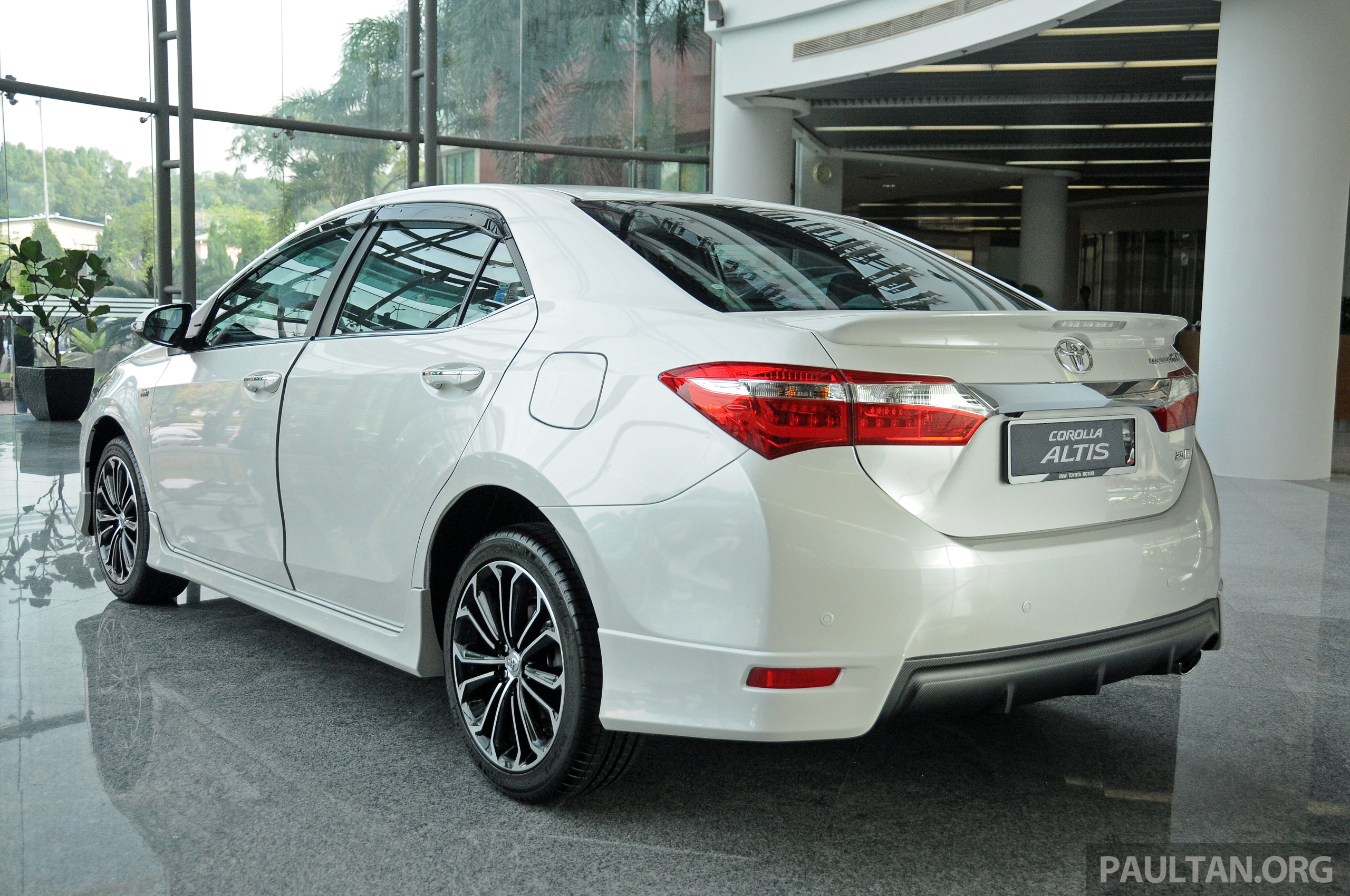 Bookings for 2014 toyota corolla altis open launch by may end