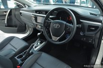 2014_Toyota_Corolla_Altis_Malaysia_ 014