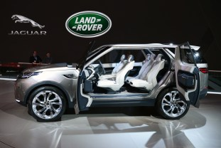 land-rover-discovery-vision-concept-live-i