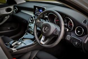 W205_Mercedes-Benz_C_200_Avantgarde_Malaysia_007