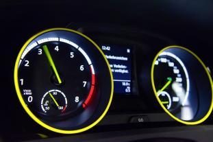 VW Golf GTI Dark Shine-14