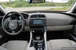 jaguar-xe-20d-auto 1350
