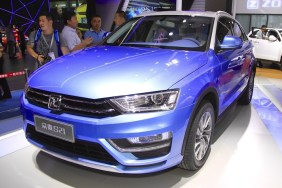 Zotye-S21-front-quarter-at-the-2014-Chengdu-Motor-Show