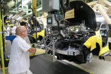 Honda of Canada Mfg. associates install a front-end module