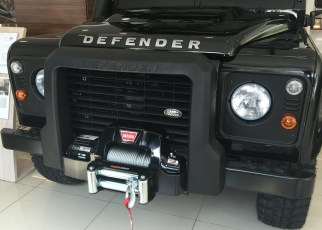 Land Rover Defender Limited Edition-03