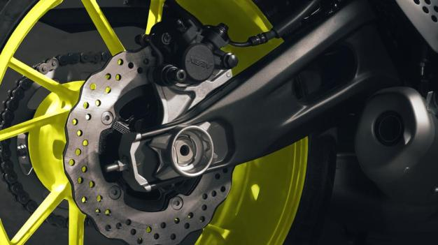 2016-Yamaha-MT-07-EU-Night-Fluo-Detail-007