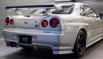 nissan skyline gt r nismo z tune up for purchase 9 of 19 in the world priced above rm2 1 million. Black Bedroom Furniture Sets. Home Design Ideas