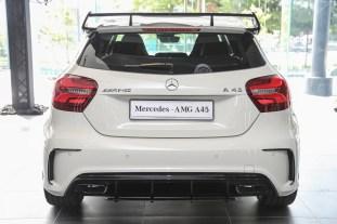 Mercedes_A45-11