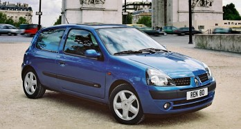 Renault Clio 26 years 8