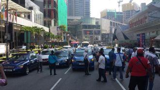 Taxi drivers protest jalan bukit bintang 4