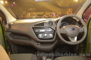 2016-datsun-redi-go-debut-india-017_BM