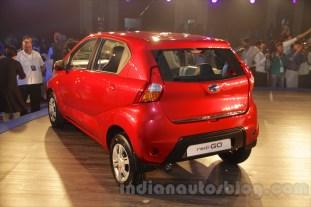 2016-datsun-redi-go-debut-india- 022