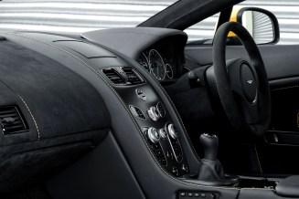 2017 Aston Martin V12 Vantage S-9