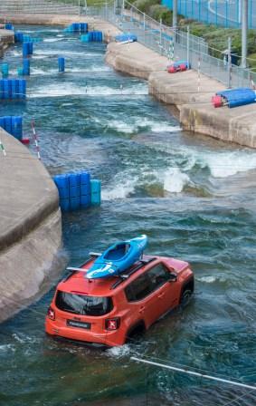 Jeep Renegade white water rafting 5