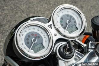 Triumph Thruxton R 15