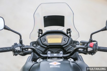 2017 Honda CB500X review - 32