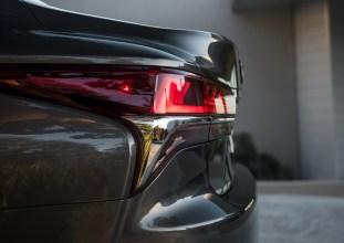 Lexus_LS_2018_14