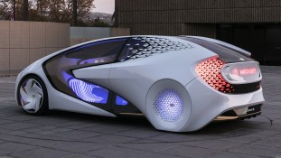 Toyota_Concept_i_43_8657D7022D6B46D023607583E84A4F420BA6B3E1
