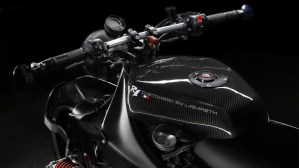 Lazareth Back to the Future Yamaha R1 - 10
