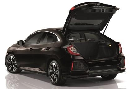 2017-Honda-Civic-Hatchback-Thailand-4_BM